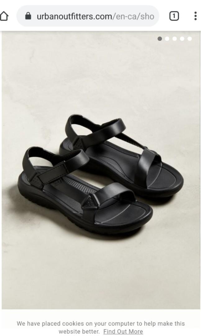 Brand new: Teva Hurricane Drift waterproof sandal - size 5