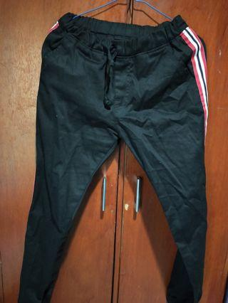 Jogger Pants sweatpants stripe garis warna hitam