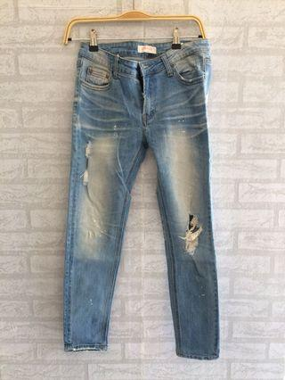 Ripped jeans import