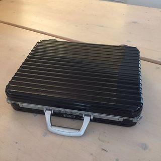rimowa limbo 系列 手提公事包  手提電腦包 黑色 時尚 經典