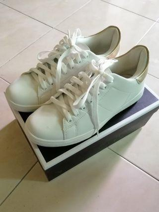 Rubi Cathryn's Shoes in White