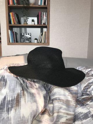 Topi H&M flowy hitam
