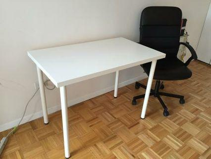 🚚 Ikea table. Only one black table left.