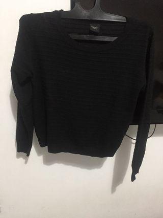 Black Sweater Magnolia