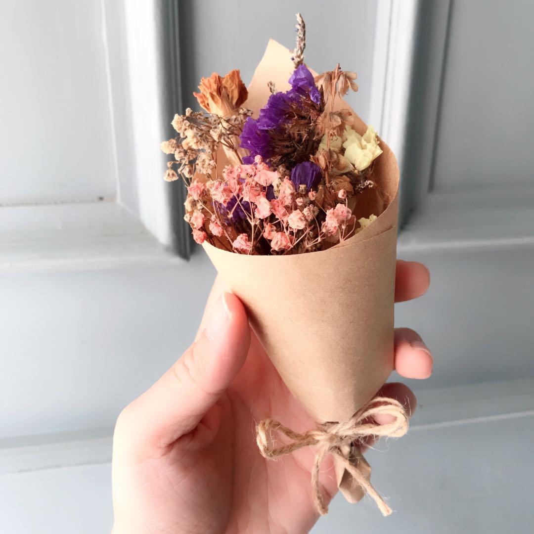 Dried Flower Mini Bouquet baby's breath