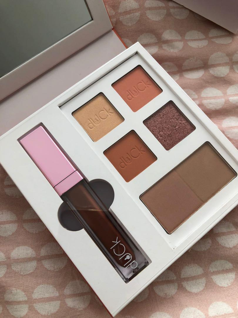 Duck Cosmetics The Doily Collection in Peach Sugee