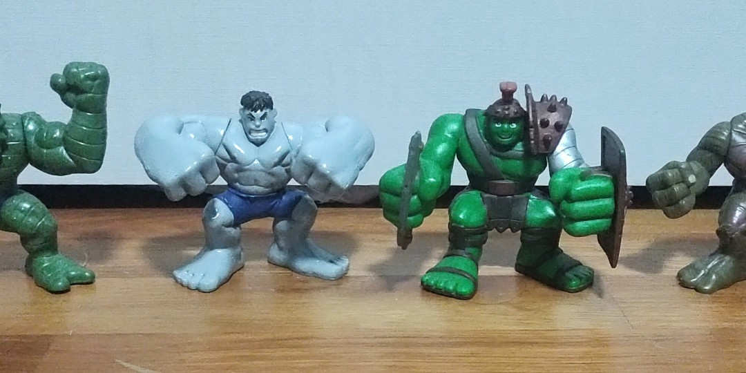Iron Man BNIP Hulk Wolverine Spider-Man Marvel Super Hero Squad Figures