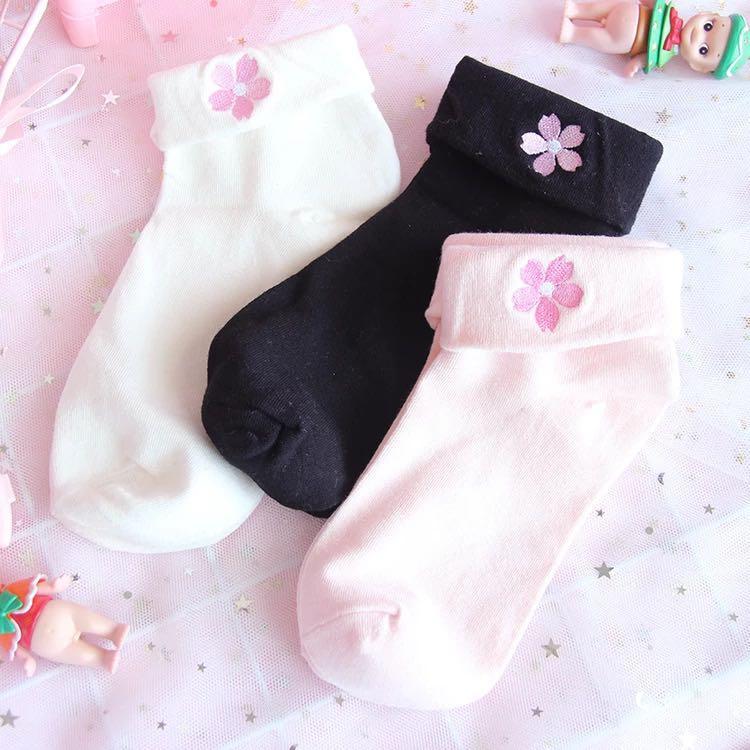 Pastel Embroidered Sakura Flower Ankle Socks