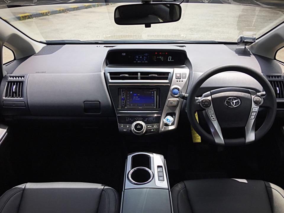 Toyota Prius Alpha Hybrid MPV Go-Jek Rental Rebate / Grab Car