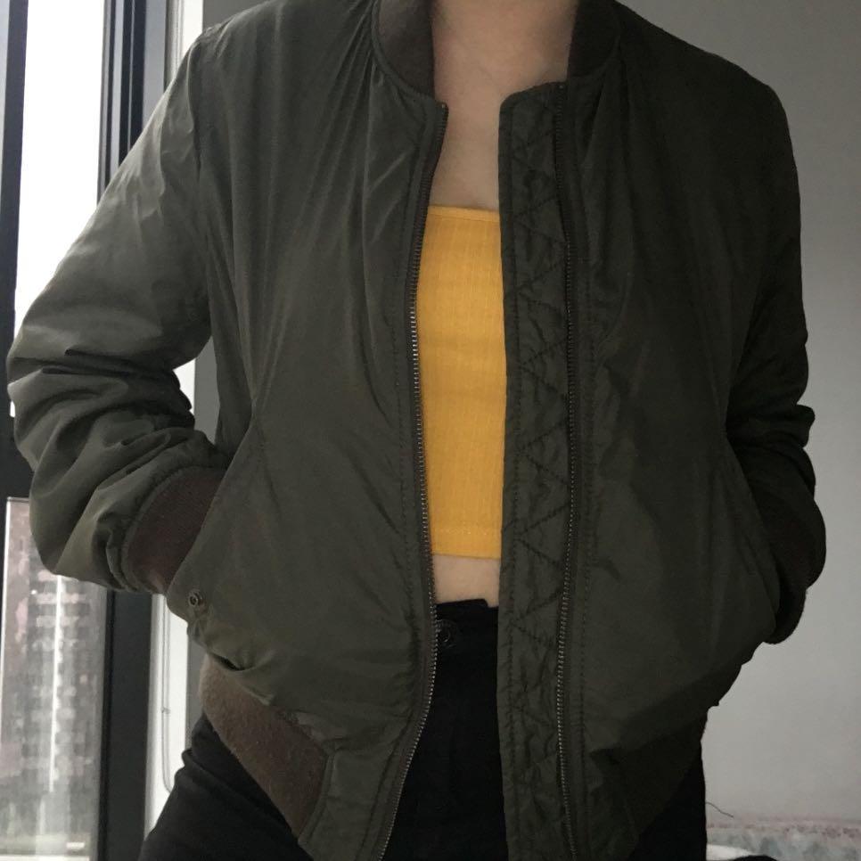 Uniqlo army green bomber jacket