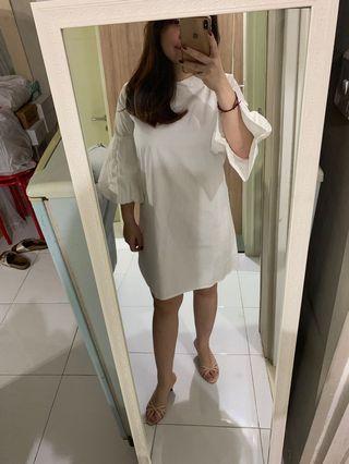 White dress fit L+