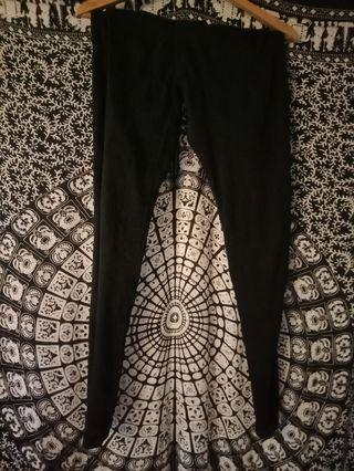 AMCO black jegging.