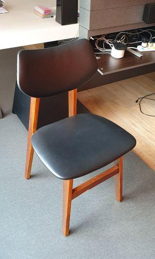 🚚 Designer Dining Chair
