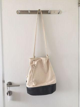 Eco-Friendly Canvas Bucket Bag! Portugal Brand