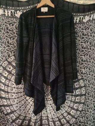 Black and blue print cardigan.