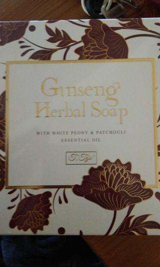 🚚 Ginseng Herbal Soap