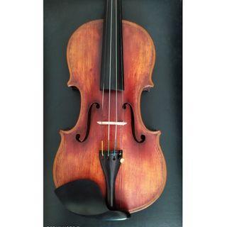 Old violin with no label