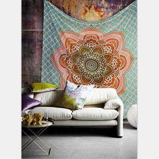 🚚 Beach / Picnic Tapestry Mat