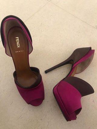 Fendi open toe fuschia shoes