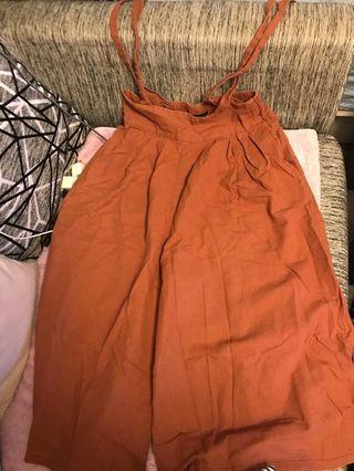 Queen shop 粉橘咖吊帶寬褲