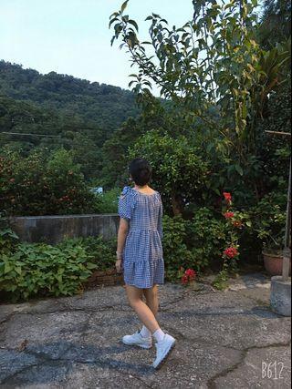 露肩藍色格子裙