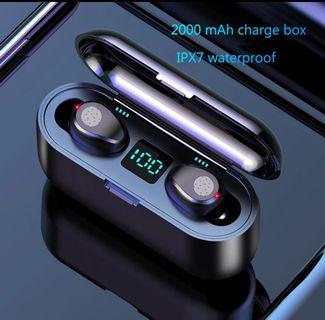 (Ready stock~4)Bluetooth 5.0 TWS biaural waterproof earphones, fingerprint touch, 2000maH charger box with LED indicator