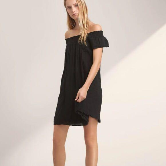 Aritzia off the shoulder black dress (size small- Talula)