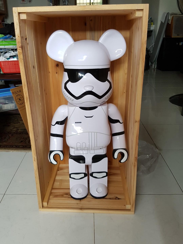Bearbrick 1000% display case