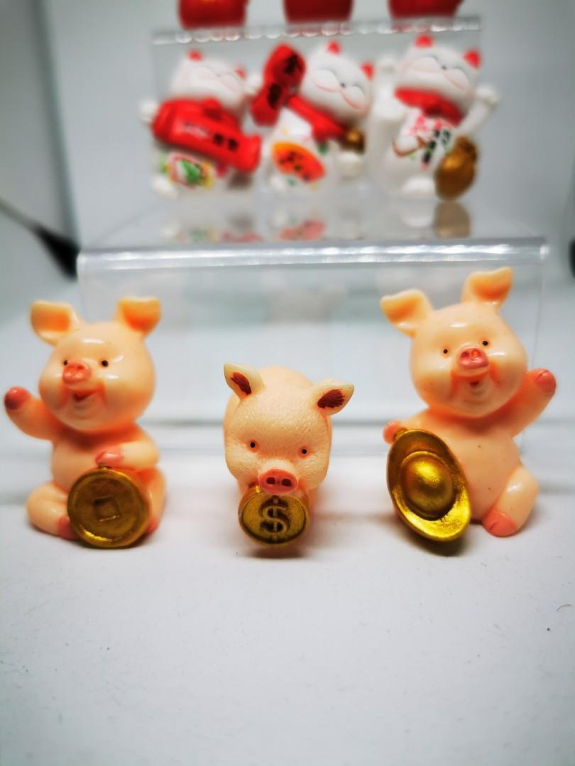 Figurines/decorations