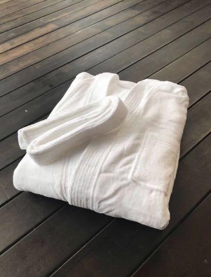 Hotel Quality Bathrobe (100% Cotton)