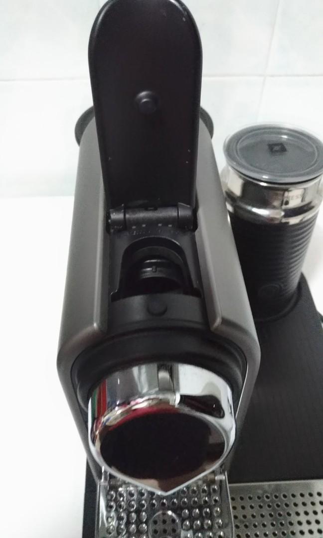 Nespresso Citiz with Milk Frother /Aeroccino