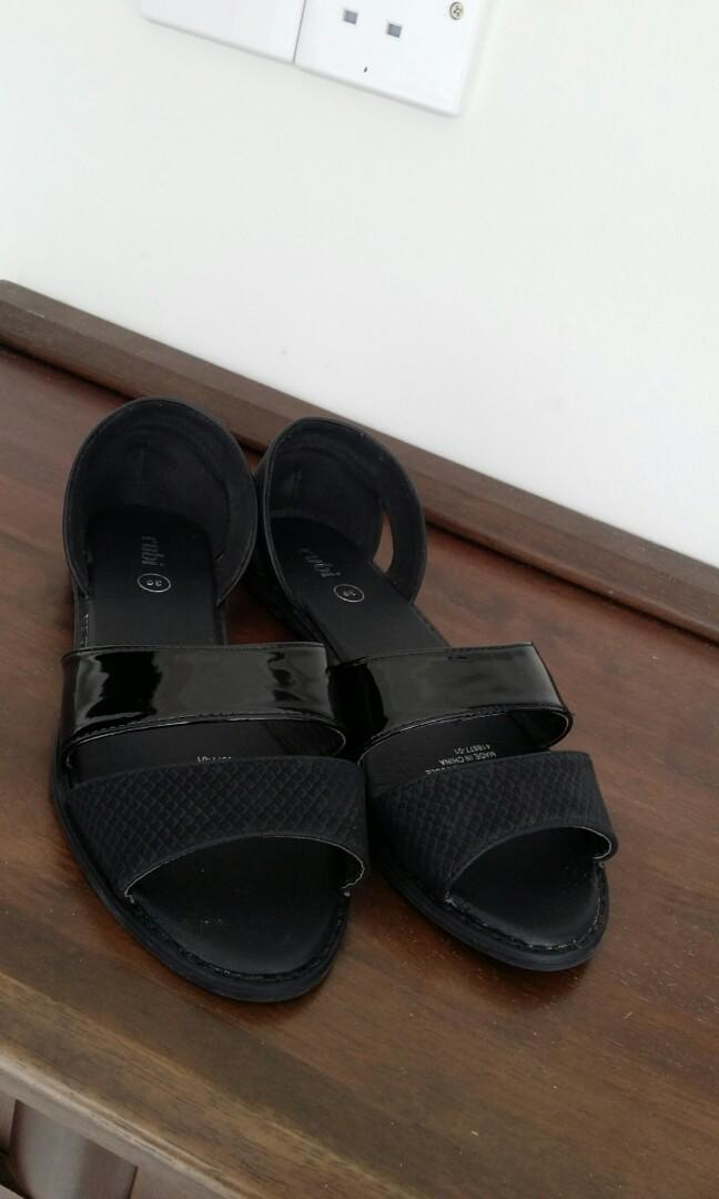 Free pos - Ruby Black sandal