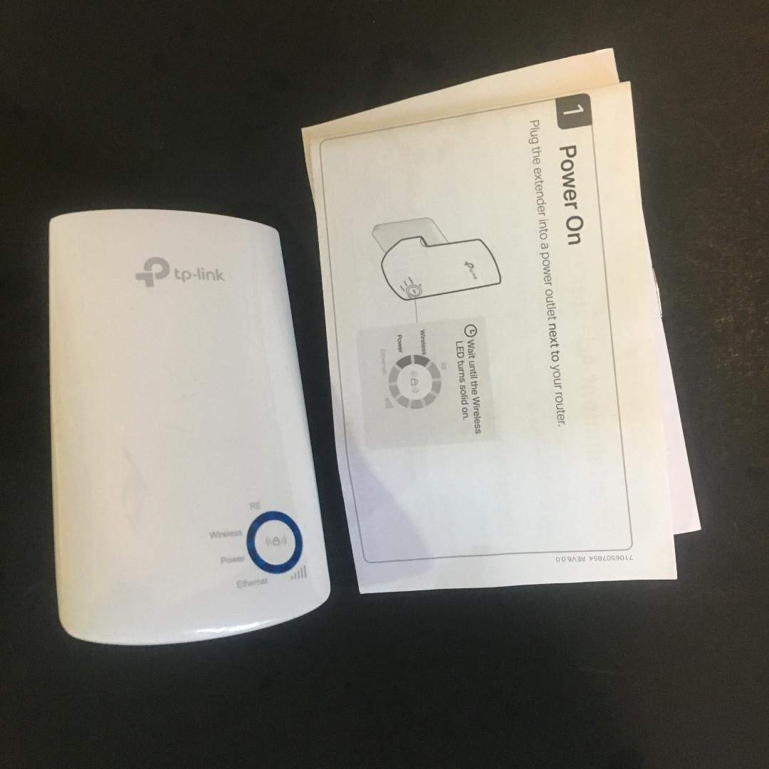 TP-Link WiFi Range Extender (Wireless Signal Booster/Repeater)