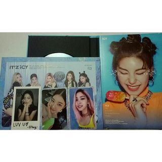 【WTT】Itzy ICY photocards