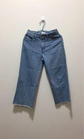 淡藍色牛仔寬褲