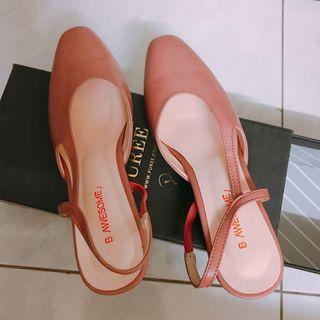 轉賣 Puree 乾燥玫瑰色低跟鞋 24.5號