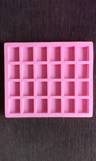 24 Cativies Rectangle Silicon Mold