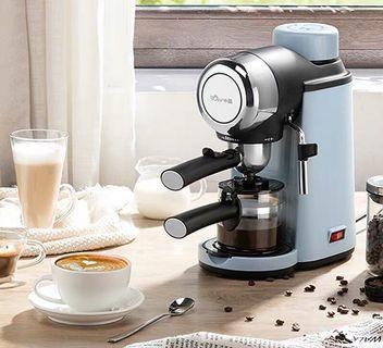 Italian design Coffee & Expresso machine maker.