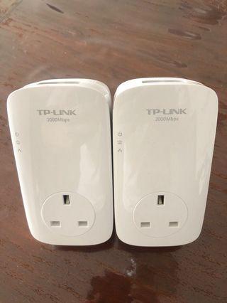 TP Link 2000Mbps Wifi Extender Powerlink Powerline AV2000