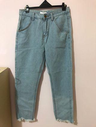 淺藍直筒寬褲