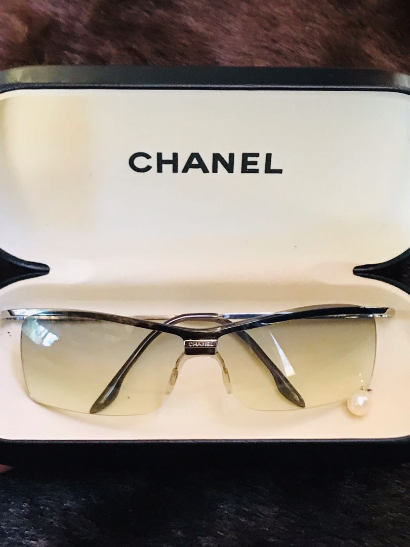 Authentic CHANEL Sunglasses with Diamonds and Pearl