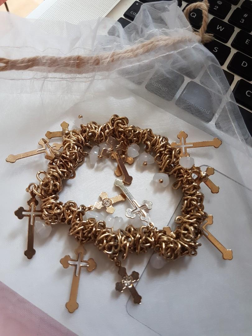 Gelang salib emas / gold cross braclet