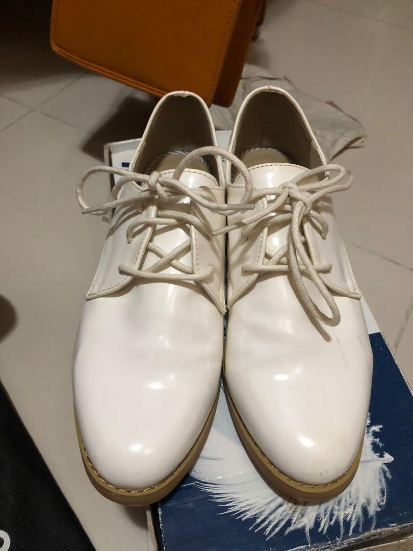 Global work 白色皮鞋 牛津鞋