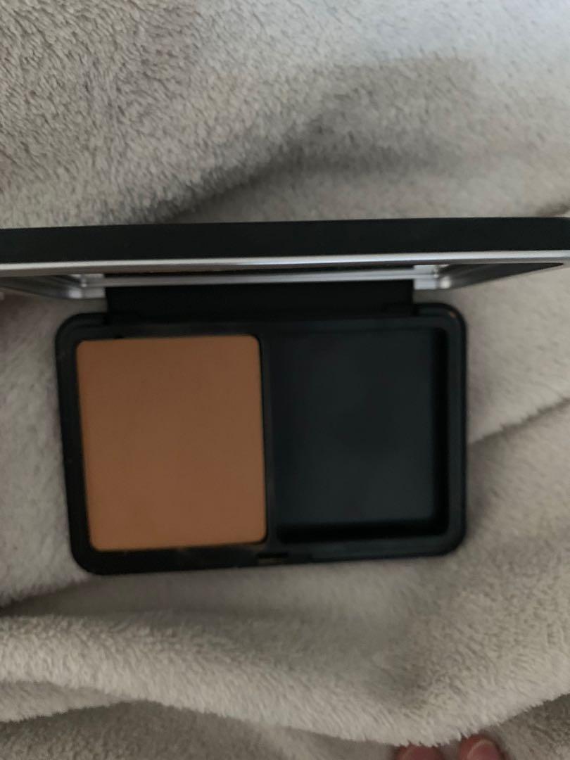Make up forever matte velvet skin blurring foundation 12h