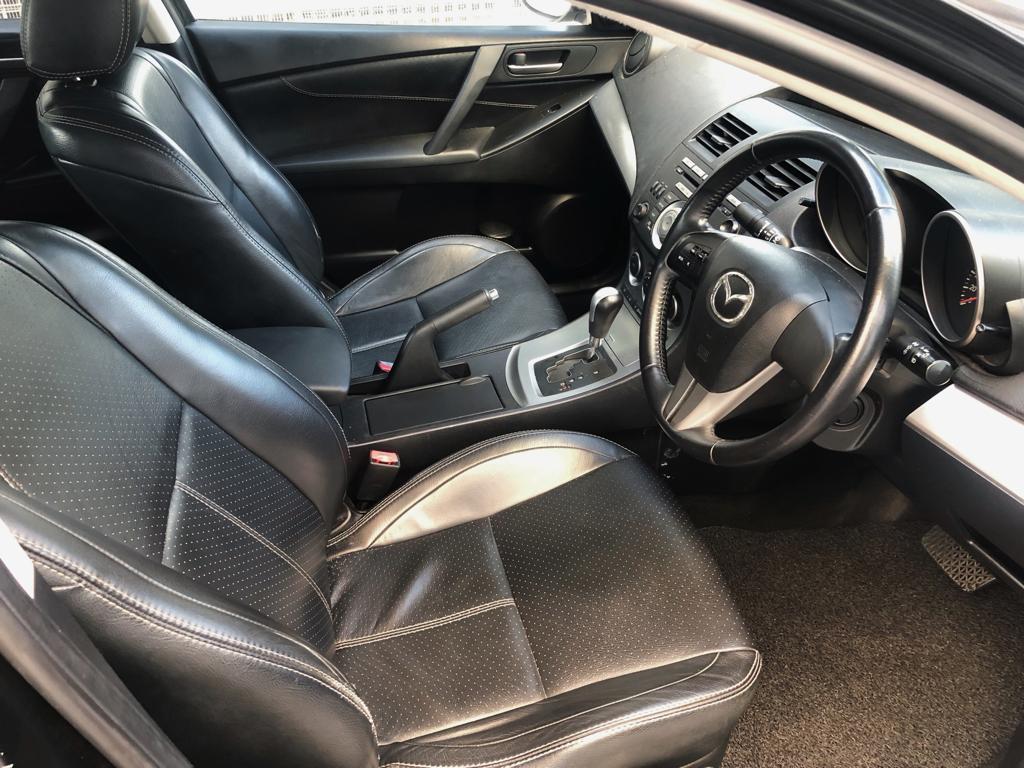 Mazda 3 1.6A *$170 after GoJek Rebate PHV Grab Ryde or Personal use