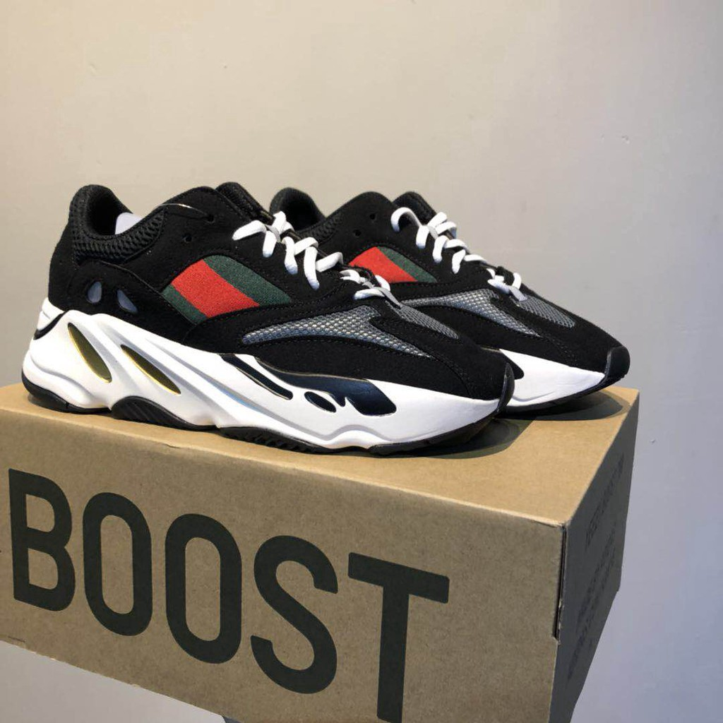official photos e2ab7 111f6 [ready stock] 100% original Adidas Yeezy Boost 700 men's and women's  portable breathable running shoes