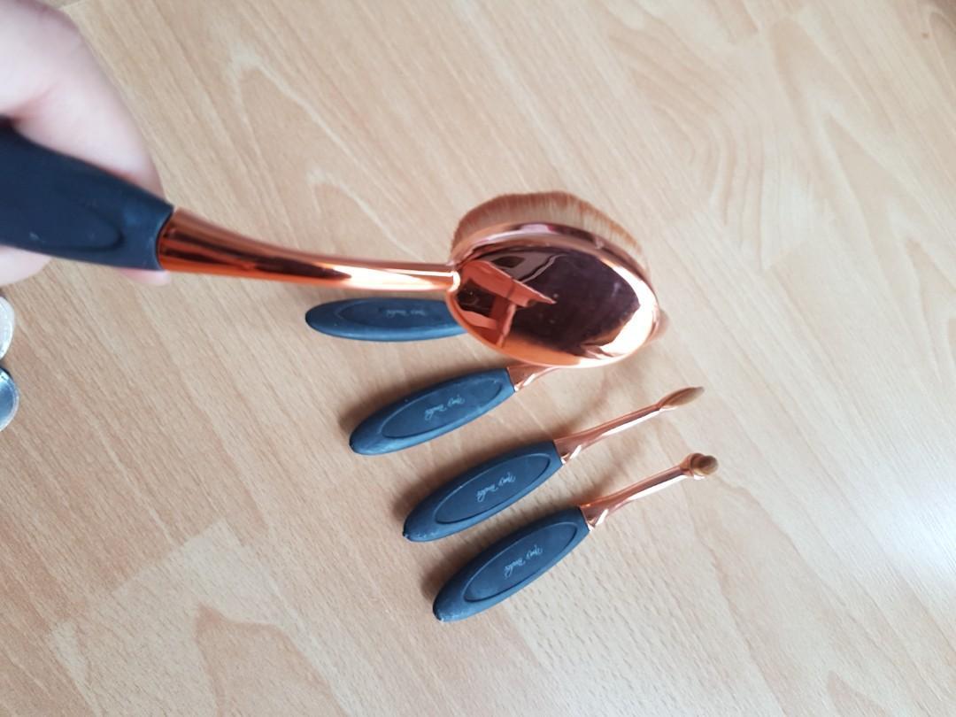 Round Make up brush merk Nora's brushes 1 set