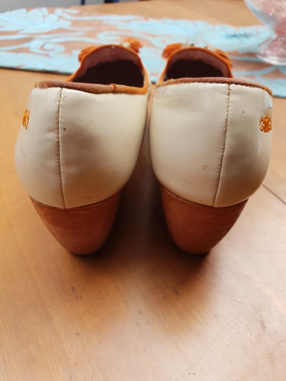 Sepatu Wedges GOSH - Cream Wood
