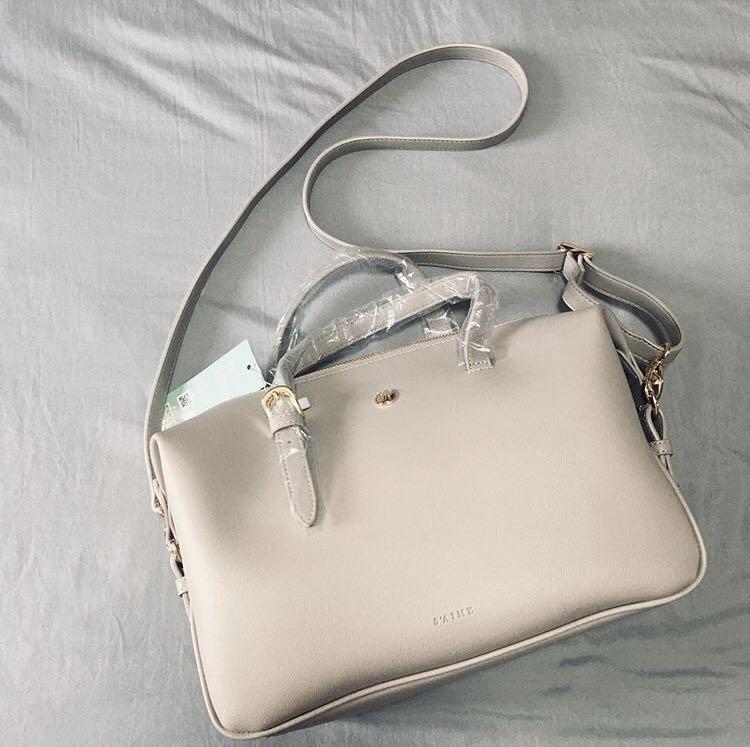 Taiwan S'aime Handbag / Sling bag