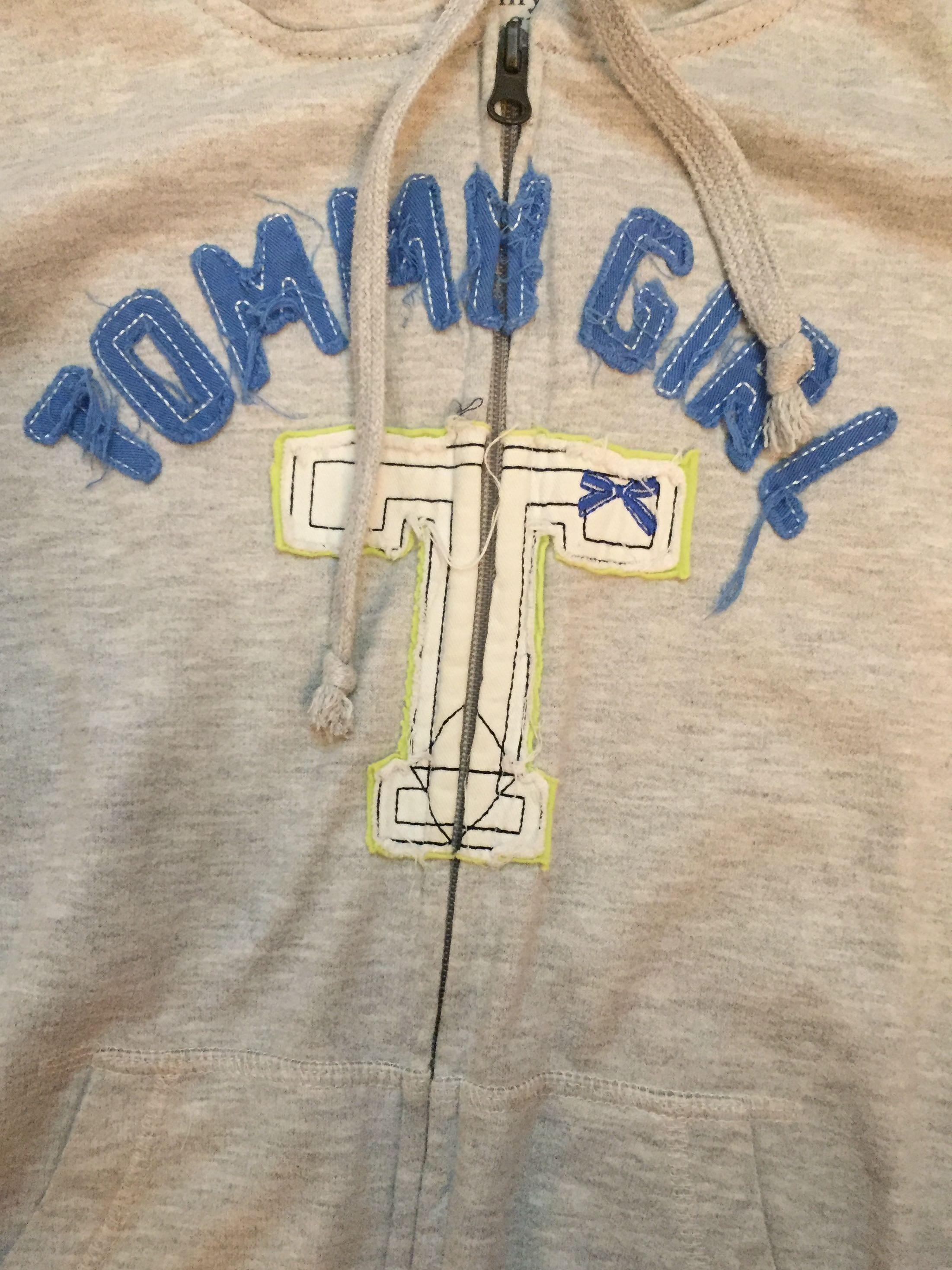 TOMMY 灰外套